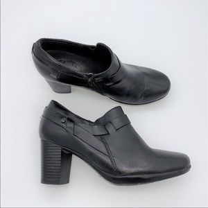 Clark's Artisan Black Leather Booties Shoes 6.5